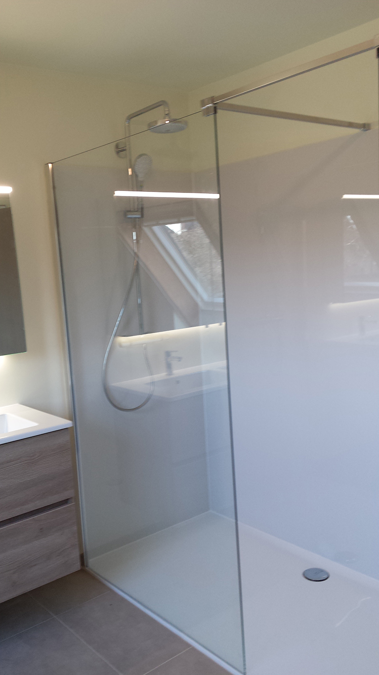 Badkamer renovatie Lochristi nieuwe inloop douche